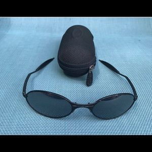 Vintage Oakley Black Matte E Wire